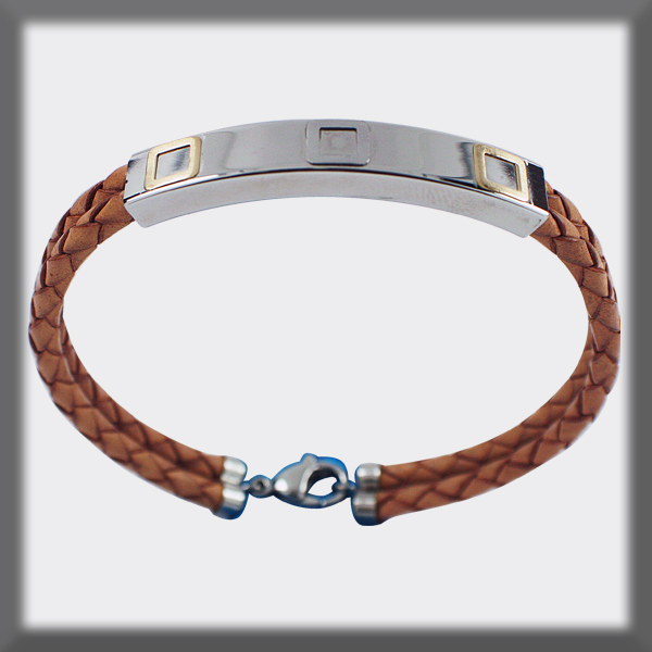BRACELET ACIER ET OR , 2 CUIRS TRESSES 3 mm ,2 CARRES EN OR MATT