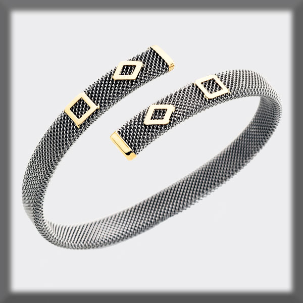 BRACELET IN STAINLESS STEEL AND IN GOLD, 8mm MESH, 2 SQUARES, 2