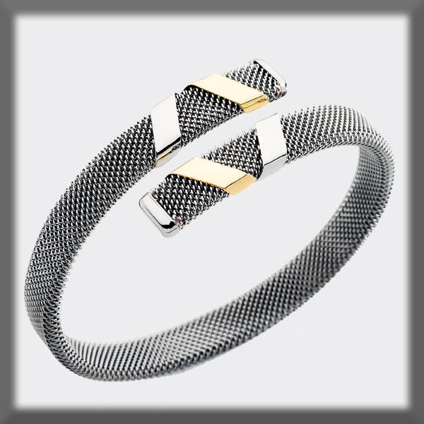 "BRACELET IN STAINLESS STEEL AND IN GOLD, 8mm MESH, 4 BANDS IN ""V"