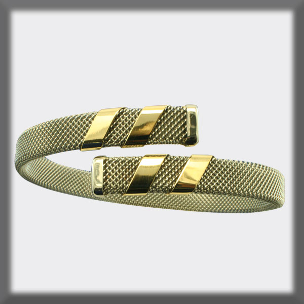BRACELET IN STAINLESS STEEL AND IN GOLD, 8mm MESH, 4 BANDS IN GO