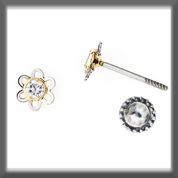 EARRINGS IN STAINLESS STEEL AND IN GOLD, 6 PETALS, MOTIF